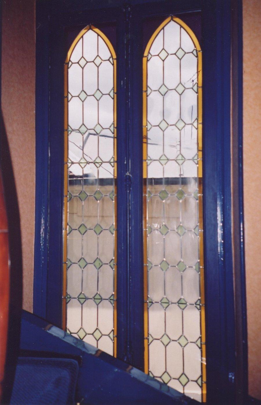 Yves gack crateur de vitraux galerie geometrie for Fenetre escalier